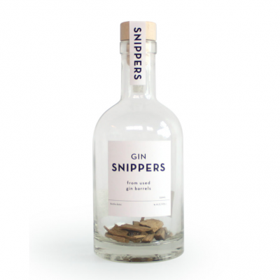 Snippers Gin oak chips to store gin